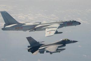 Hé lộ cuộc tập trận 'bất thường' của không quân Trung Quốc quanh đảo Đài Loan