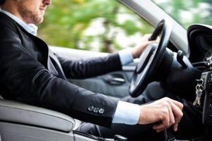 Kỹ năng lái xe số sàn trong thành phố an toàn