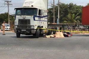 Va chạm với xe container, người đàn ông chết thảm dưới bánh xe
