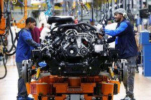 Các nhà sản xuất vẫn sẽ mở cửa trở lại theo kế hoạch ban đầu