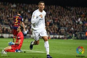 Ngày này năm xưa: Ronaldo tỏa sáng giúp Real chặn đứng mạch bất bại của Barca