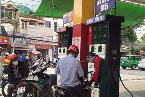 TP.HCM: Không bán xăng dầu cho các đối tượng thu gom, tích trữ