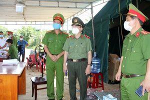 Công an Quảng Nam 'căng mình' chống dịch