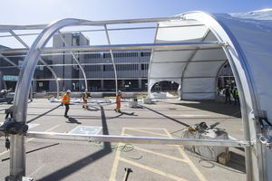 COVID-19: Chile đóng cửa trạm quan sát vũ trụ, Canada chịu áp lực lớn