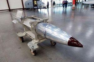 Mỹ thực nghiệm bom hạt nhân mới trên máy bay F-15