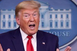 Tổng thống Mỹ Donald Trump thông báo khuyến nghị toàn dân đeo khẩu trang, nhưng ông thì không đeo
