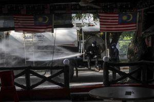 Malaysia phát hiện dây chuyền lây nhiễm liên quan tới 40.000 người