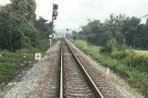 2 nữ sinh mải selfie ngã vào đoàn tàu hỏa tử vong