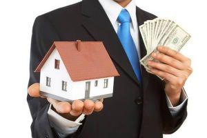 Cùng đứng tên hộ khẩu, tôi có được mua lại nhà của mẹ?