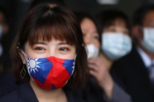 Đài Loan quyên góp khẩu trang cho thế giới, TQ đại lục nổi giận