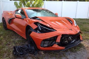 Mua được 1 ngày, siêu xe Chevrolet Corvette C8 đã gặp nạn