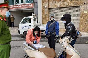 Hà Nội xử phạt người ra ngoài đường không thuộc diện được phép