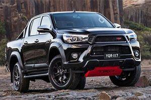 Toyota Hilux sắp có bản hiệu suất cao, giá mềm 'đấu' Ford Ranger Raptor