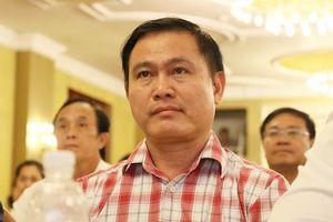Nỗi buồn bóng đá Việt Nam: Thiếu người tài chia sẻ ghế cho bầu Tú?