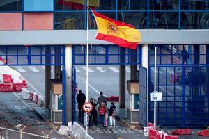 Italy duy trì đà giảm ca tử vong do Covid-19, Tây Ban Nha gia hạn phong tỏa