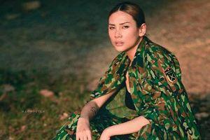 Võ Hoàng Yến tung bộ ảnh cuối cùng ở khu cách ly, hóa nữ quân nhân xinh đẹp