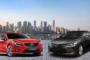 Cùng tầm giá 1 tỷ đồng, chọn Toyota Camry 2.0G hay Mazda6 2.5 Premium?
