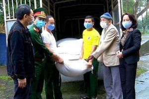 Lão thành cách mạng 93 tuổi ủng hộ 1 tấn gạo phòng chống dịch Covid-19