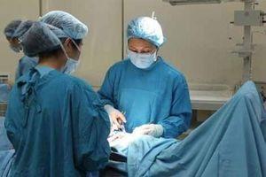 Sản phụ có khối u hơn 6 kg được phẫu thuật thành công
