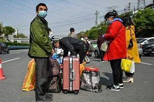 Hàng chục ngàn người rời Vũ Hán khi lệnh phong tỏa được dỡ bỏ