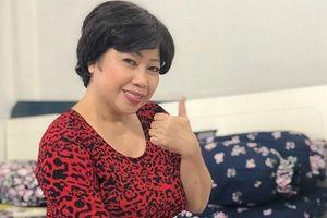 Diễn viên hài Phi Phụng bán sữa chua mưu sinh ở tuổi 56