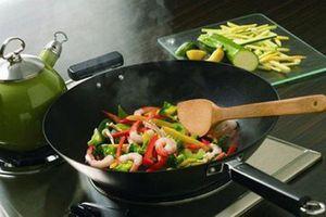 Lưu ý khi sử dụng dụng cụ nấu ăn kẻo gặp phải độc hại