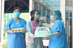 Bệnh nhân COVID-19: 'Tôi được chăm sóc từng chút một'
