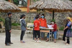Hơn 19 nghìn học sinh lớp 9 và 12 Yên Bái trở lại trường học từ ngày 23-4