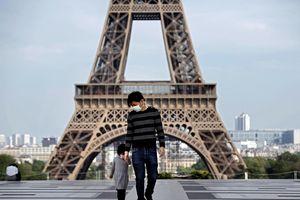Người Pháp dè dặt trở lại cuộc sống thường nhật sau dỡ bỏ phong tỏa