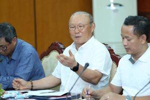 Bộ trưởng Nguyễn Ngọc Thiện: 'VFF cần hỗ trợ HLV Park Hang-seo tìm nhân tố mới'