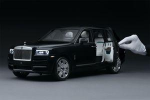 Mô hình Rolls-Royce Cullinan thu nhỏ đắt hơn xe phổ thông