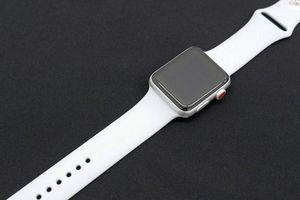 Cách khắc phục Apple Watch không phản hồi hoặc không bật được màn hình