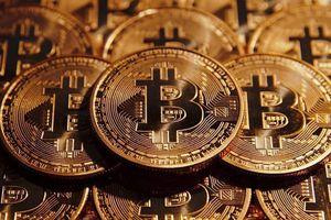 Bitcoin rực cháy, ngưỡng 9.000 USD bị khoan thủng