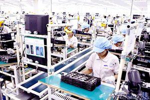 Quốc tế đánh giá cao Việt Nam vừa chống dịch vừa tăng trưởng kinh tế