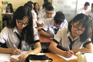 Giao việc thi tốt nghiệp THPT cho địa phương, nên có giám sát xã hội