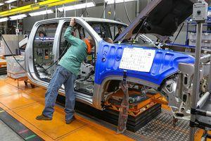 GM trì hoãn việc khôi phục ca làm việc thứ 2 của ba nhà máy tại Bắc Mỹ