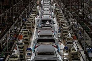 Trung Quốc: Sản xuất ô tô và hàng điện tử hồi phục, triển vọng ngành công nghiệp vẫn u ám