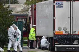 26 người bị bắt trong vụ 39 người Việt chết trong xe tải ở Anh