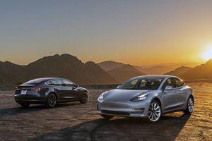 Xe điện Tesla giảm giá hơn 5.000 USD tại Mỹ
