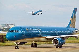 Vietnam Airlines đã khôi phục hoàn toàn số chuyến bay nội địa sau dịch Covid-19, giới trẻ háo hức rủ nhau lên kế hoạch đi du lịch xa hè này