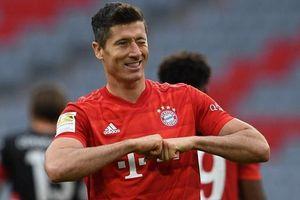 Bayern thiết lập một loạt kỷ lục mới trong ngày đại thắng Duesseldorf
