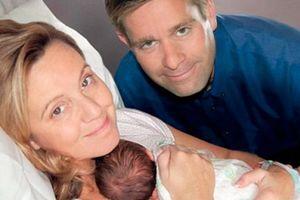 Vừa mừng vì có thai, bà mẹ bàng hoàng nhận tin đứa con trong bụng không phải của mình
