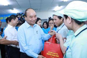 Thủ tướng khẳng định Chính phủ luôn quan tâm đời sống người lao động