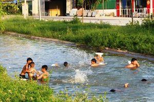 Báo động trẻ em đuối nước mùa nắng nóng ở Nghệ An