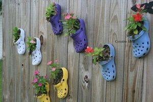 CLIP: Hướng dẫn tái chế dép cũ để trồng hoa mười giờ cực đẹp và dễ thương