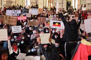Biểu tình phản đối phân biệt chủng tộc lan sang Australia