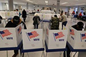 Cử tri Mỹ tham gia bầu cử sơ bộ giữa dịch Covid-19 và bất ổn xã hội