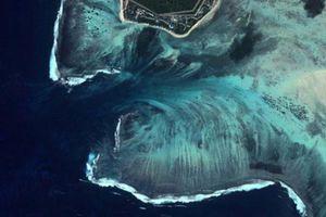 Mãn nhãn ngắm nhìn ngọn thác dưới đáy biển ở Mauritius