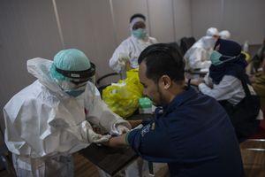 Tổng thống Indonesia yêu cầu tăng gấp đôi xét nghiệm COVID-19