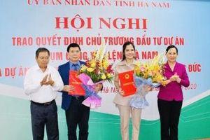 Hà Nam: Trao quyết định đầu tư hai dự án, tổng vốn gần 5.000 tỷ đồng